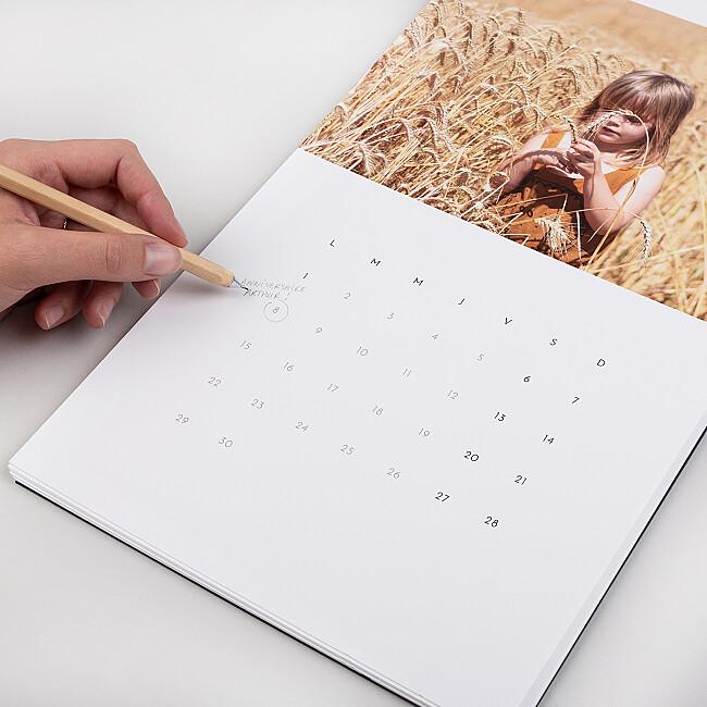 Détails grille calendrier personnalisé