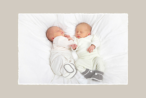 Faire-part de naissance Jumeaux voiture beige - Page 2