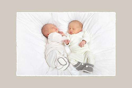 Faire-part de naissance Jumeaux voiture beige