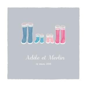Faire-part de naissance Jumeaux balade photo fond gris & bottes bébés roses et bleues