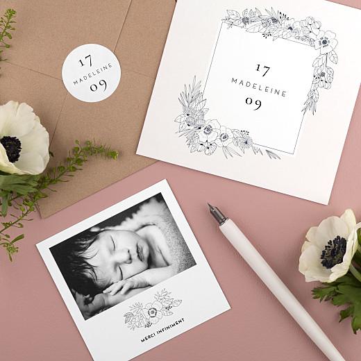 Stickers pour enveloppes naissance Esquisse fleurie blanc - Gamme